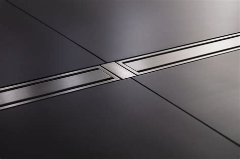 Shower with linear drain | schluter