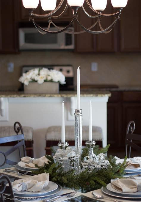 How to Decorate Small Tables for Christmas