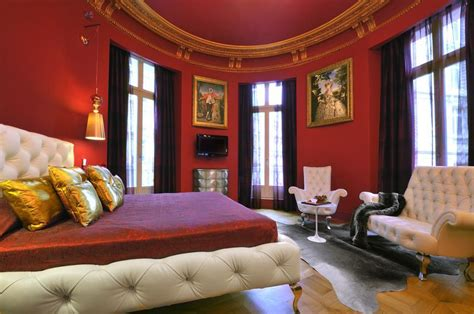 20 resplendent Parisian hotel rooms to take your breath