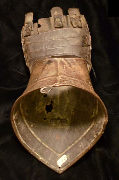 Ancient Resource: Medieval Weapons & Armor for Sale