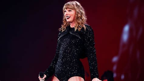 Taylor Swift Fans Are Convinced Her New Music Will Be