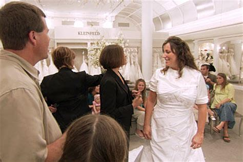 Michelle Duggar's Wedding Dress | 19 Kids and Counting | TLC