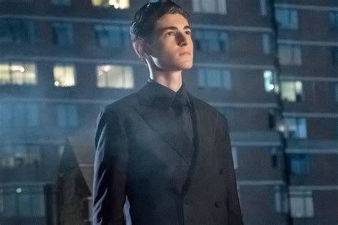 Gotham Season 4 Extended Trailer: Scarecrow Brings Out the